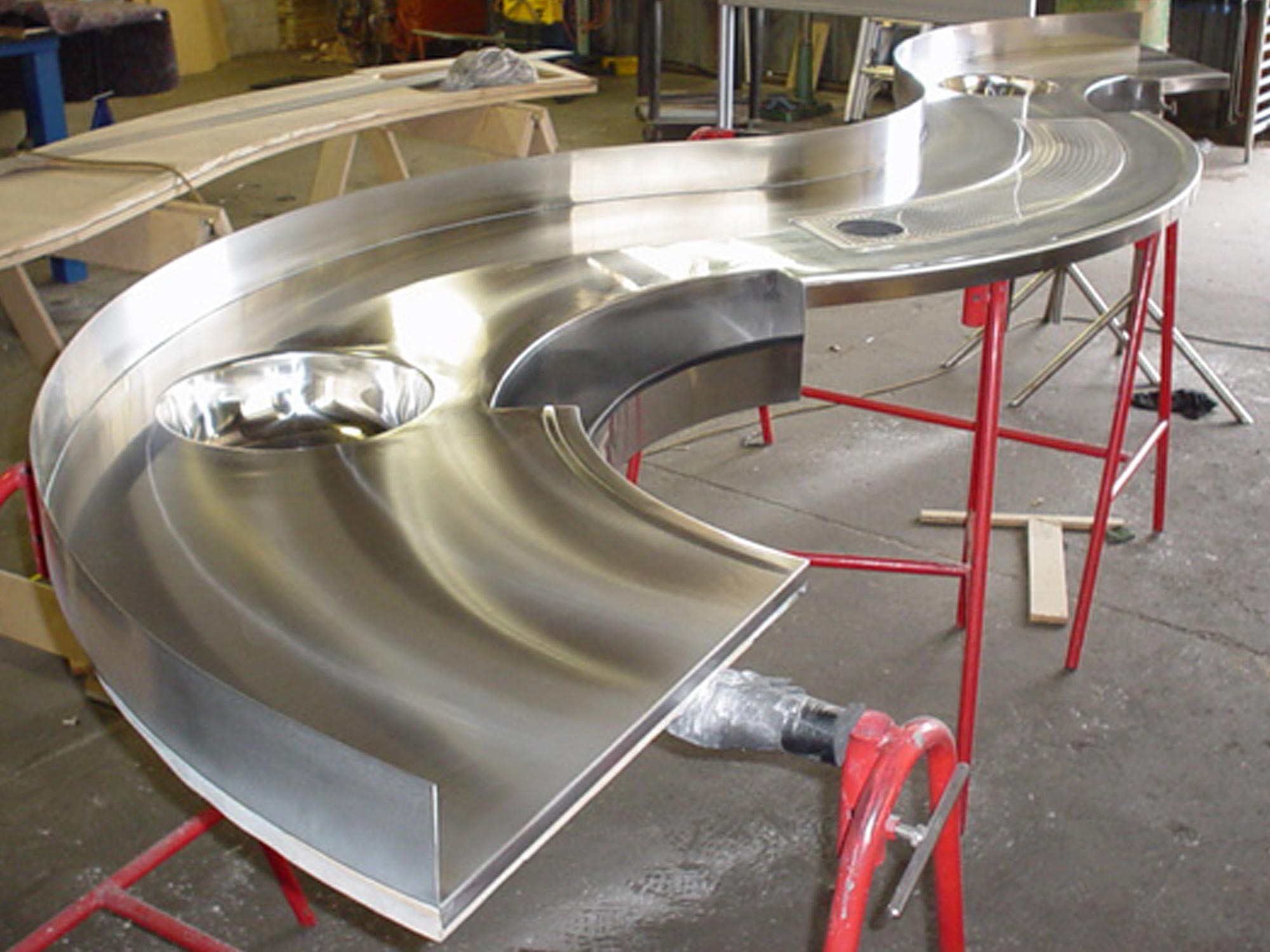 img-architectural-benches-Thirsty-benchtop-construction-1