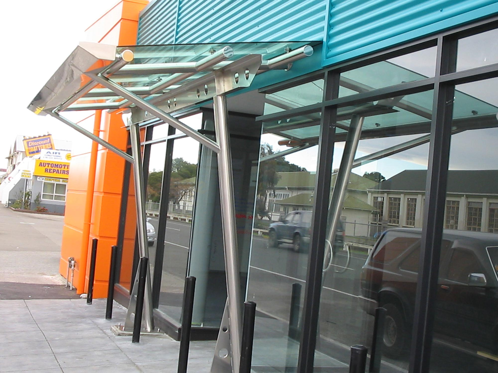 img-architectural-general-glass-front-awning