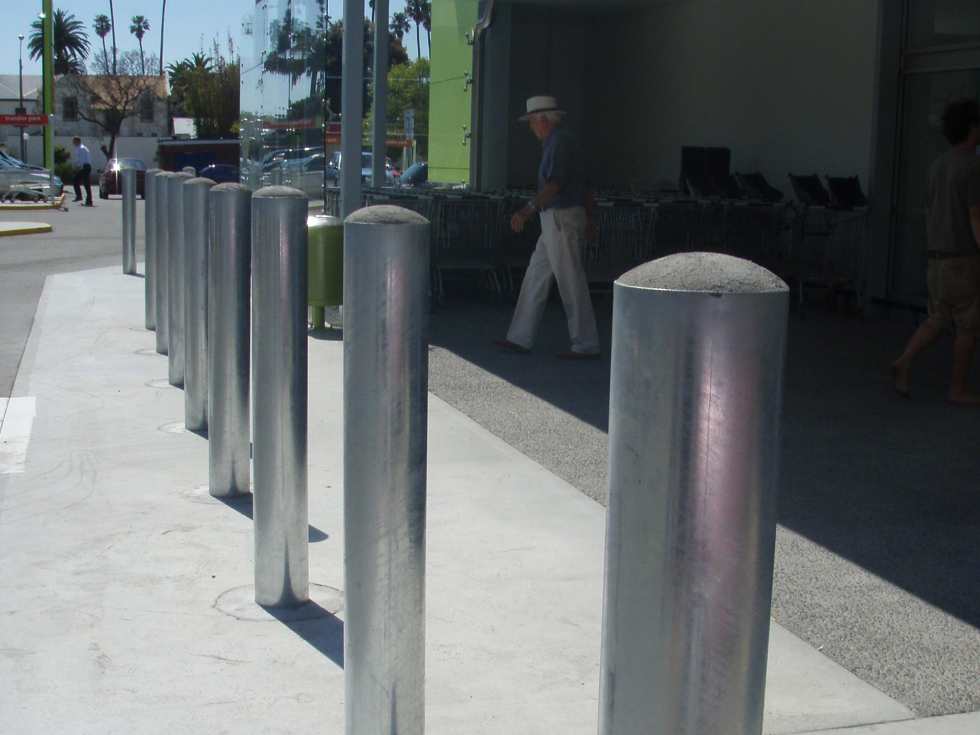 img-architectural-general-stainless-bollards